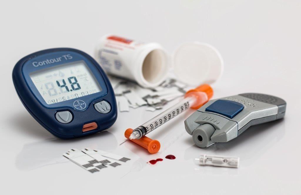 Blodglukosmätare - ökad urinering är ett symptom vid diabetes - www.alyzme.se testa din hälsa hemma med enkla hälsotest - självtest du tar i ditt hem - diabetestester