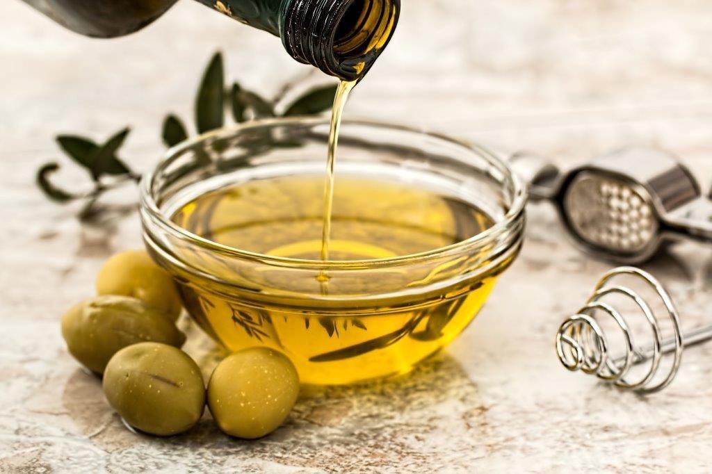 Även olivolja innehåller ALA Omega 3 men även många andra fetter du behöver - www.alyzme.se testa din hälsa hemma med självtest