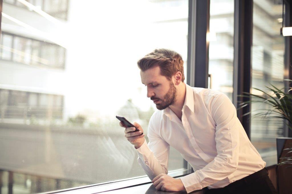 Du kan när som helst nå din nätläkare med mobilen - kry.se, doktor.se, mindoktor.se - alyzme.se listar hälsotest online
